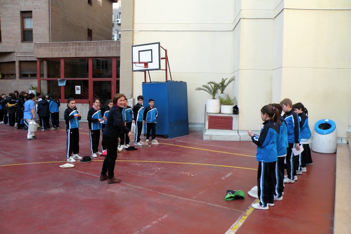 2018-02-26-Tarde de fiesta-Gymkana Primaria (3)
